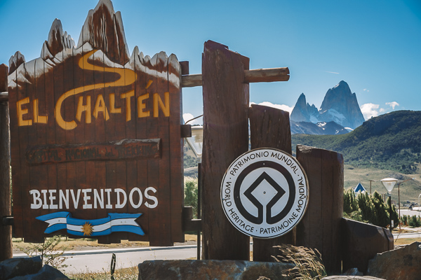 welcome sign in el chalten argentina