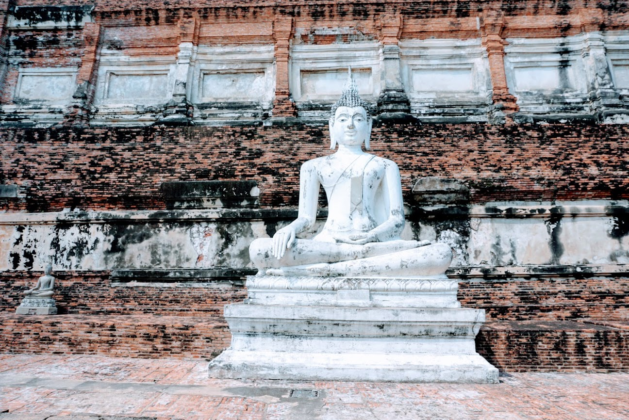 visiting the ayutthaya temples
