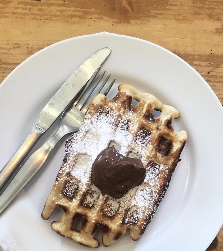 Good Morning Hostel breakfast - homemade waffles with nutella