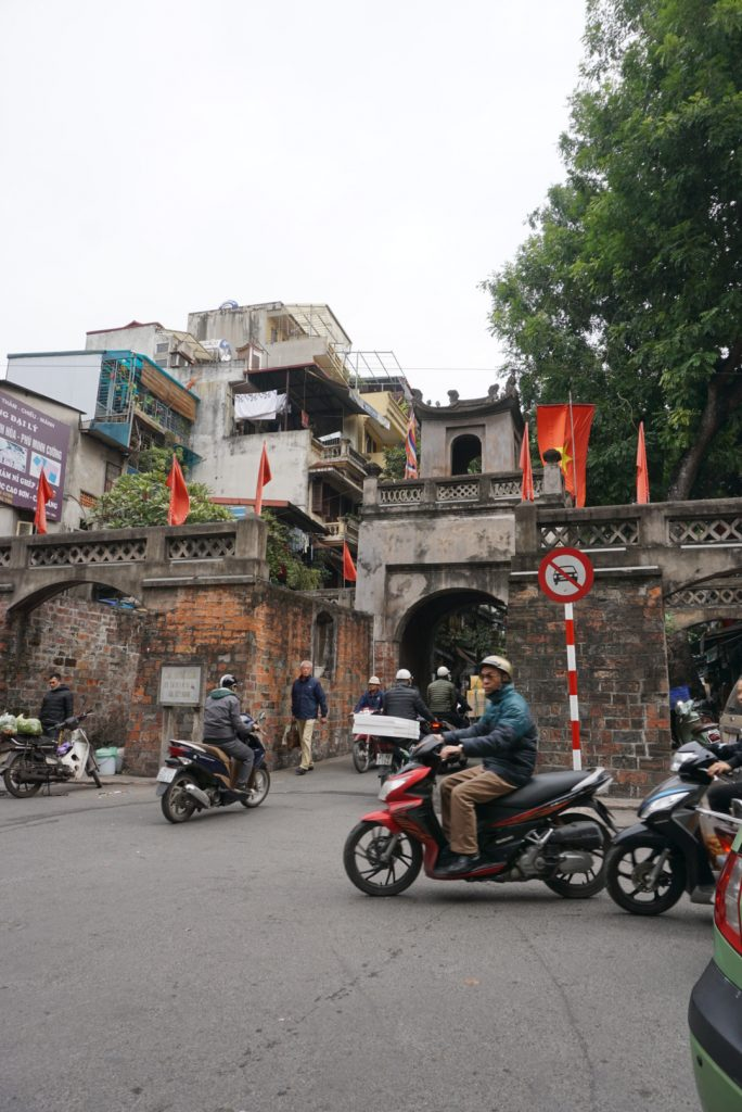 24 Hours in Hanoi - Visiting O Quan Chuong Gate