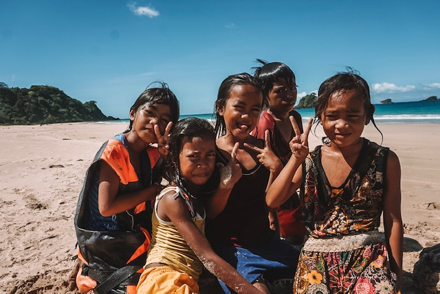 Things to do in El Nido: Local Kids at Nacpan Beach