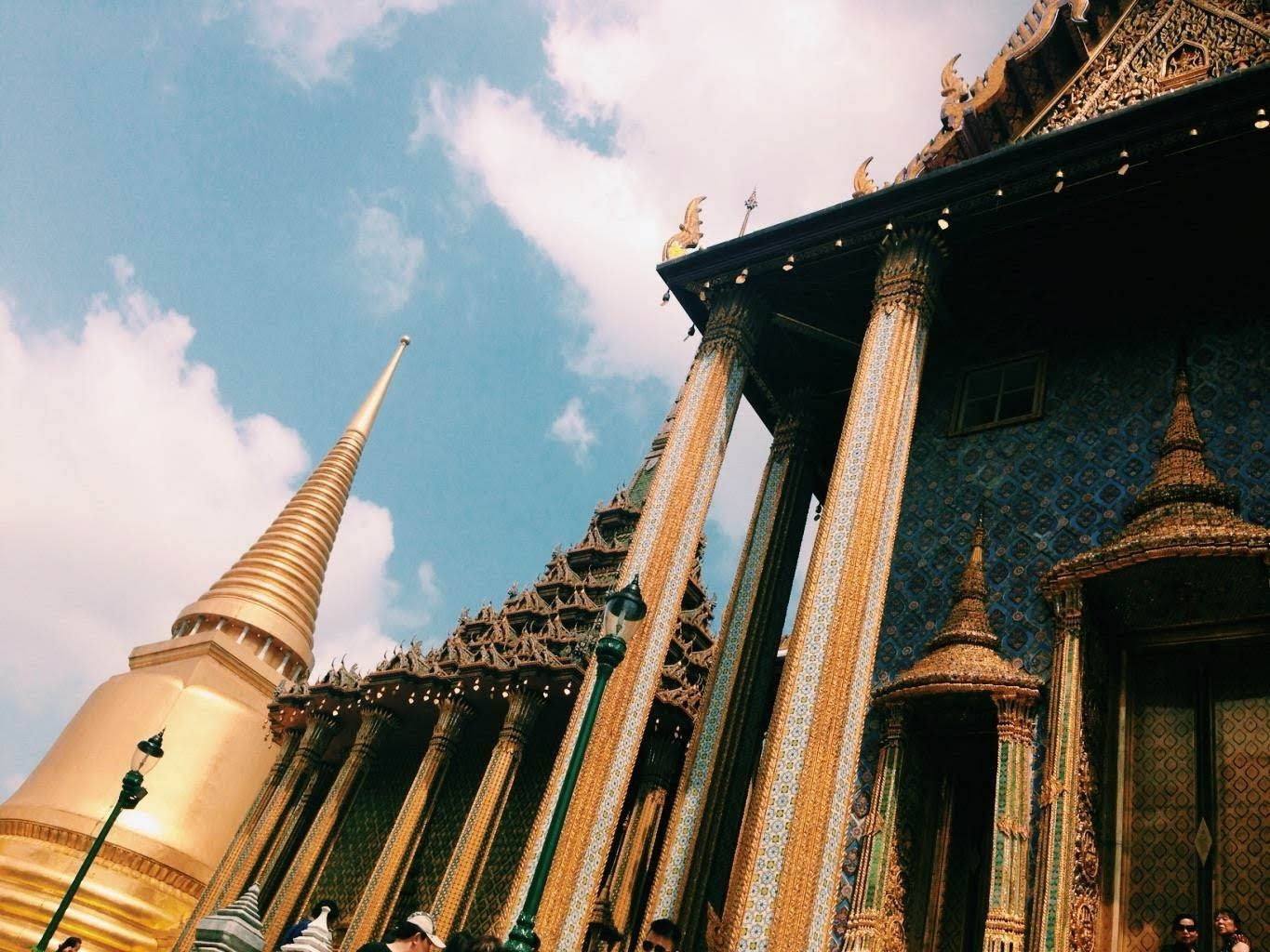 Thai temples in bangkok are a good, budget-friendly option