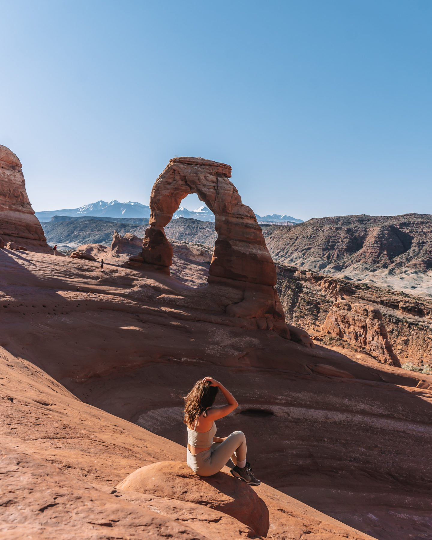 girl at delicate arch